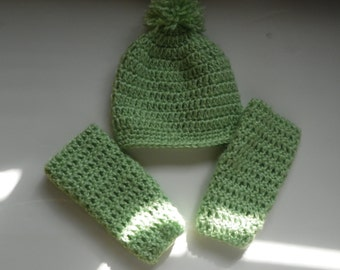 Baby Leg Warmers and Hat with a Pom Pom on it  Set Size is 3M-4Years