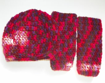 Red Baby Leg Warmers and Hat   Set Size is 3M-4Years