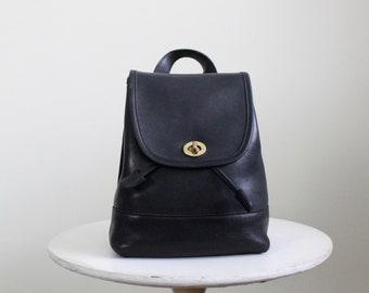 22b4663b6 Vintage Coach Backpack // Black Leather Daypack 9960