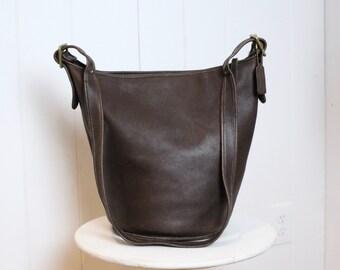 c3539e013 Vintage Coach Duffle Bag Brown // Coach Bucket Bag Feed Sac XL 9085 // Coach  Tote Shopper