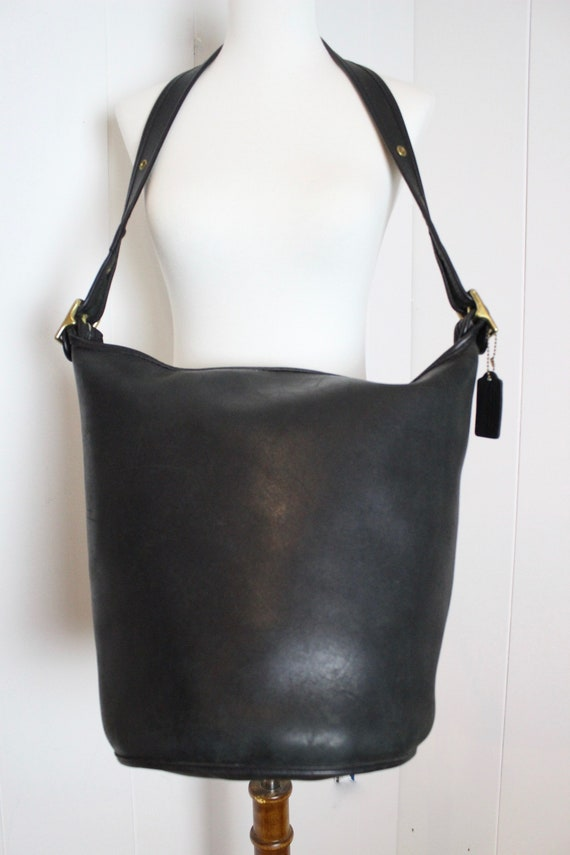 4eaec6bcd Vintage Coach NYC Duffle Bag // Feed Sac Bucket Pre 9085 Black   Etsy