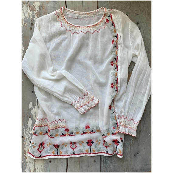 vintage hand embroidered blouse // Hungarian stitc