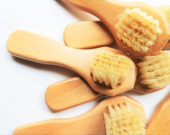 Face Brush for Dry Brushing