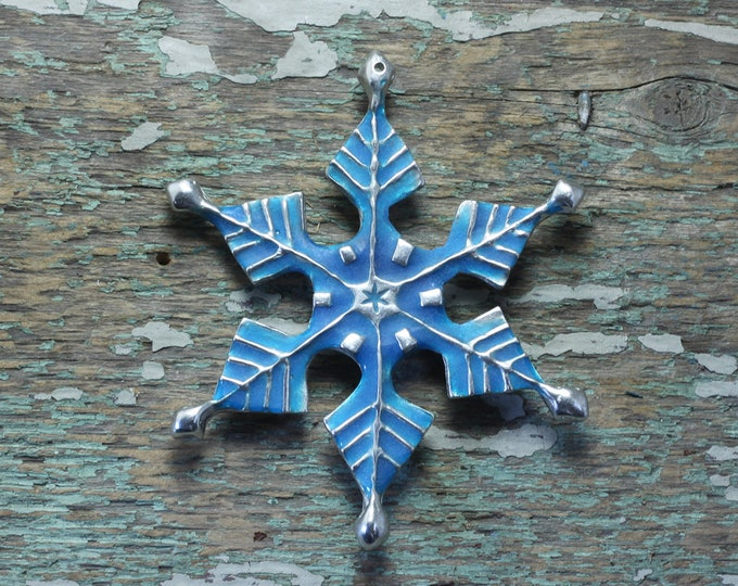 Featured listing image: Glow in the dark Snowflake ornament in silver pewter