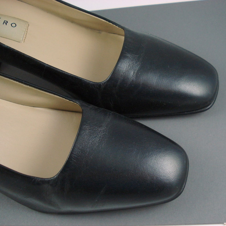 Pesaro classic leather pump heel size 7