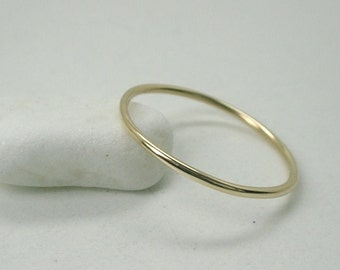 1mm Round 18K Yellow Gold  Wedding Band Stackable Ring