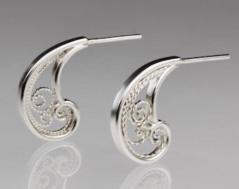Zephyr Wisp Stud Earrings - Silver Filigree