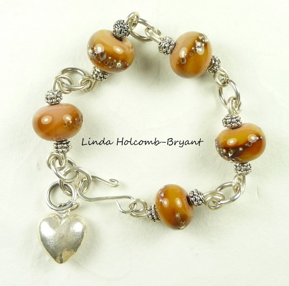 Bracelet of Beige Lampwork Glass Beads