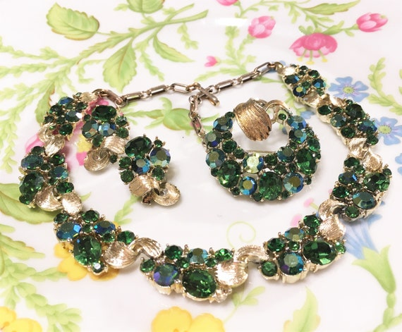 Vintage LISNER Sparkling Emerald Green And Emerald