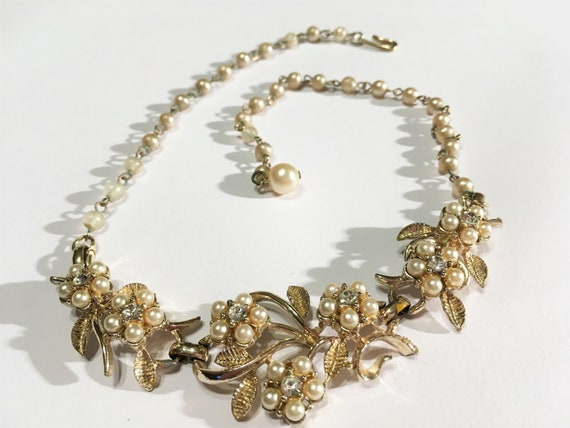 Vintage Faux Pearl And Clear Rhinestone Floral Ne… - image 2