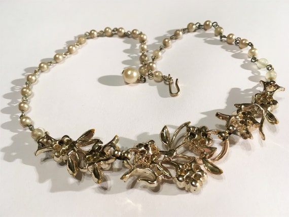 Vintage Faux Pearl And Clear Rhinestone Floral Ne… - image 3