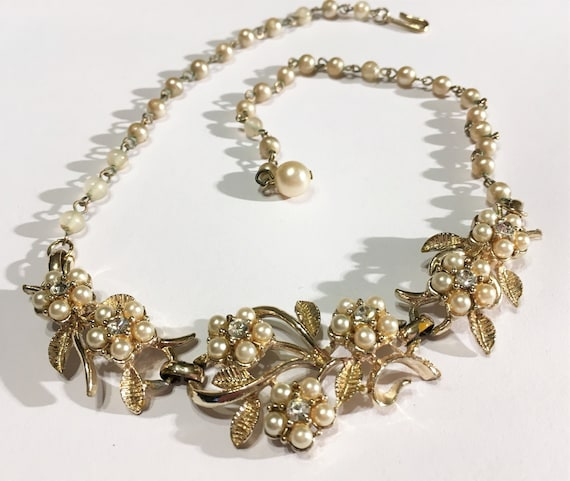 Vintage Faux Pearl And Clear Rhinestone Floral Ne… - image 1