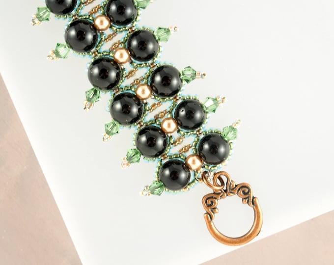 Black Onyx and Emerald Green Beaded Bracelet
