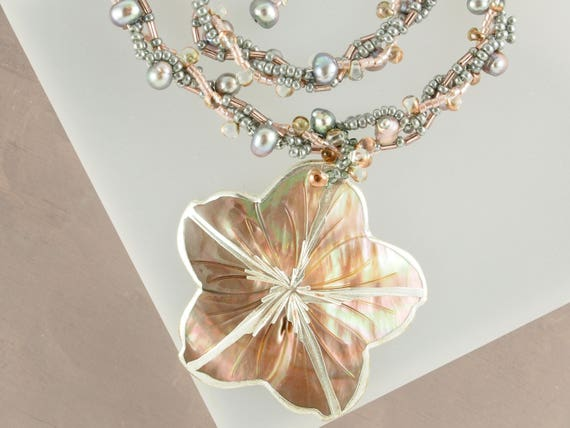 Chunky Gray Mother of Pearl Twist Necklace