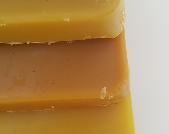 Bee wax 100% Raw Pure Beeswax 10 Lbs sold by local Beekeeper total 10 pounds ( 4.50 kilos ) Priority Mail Shipping