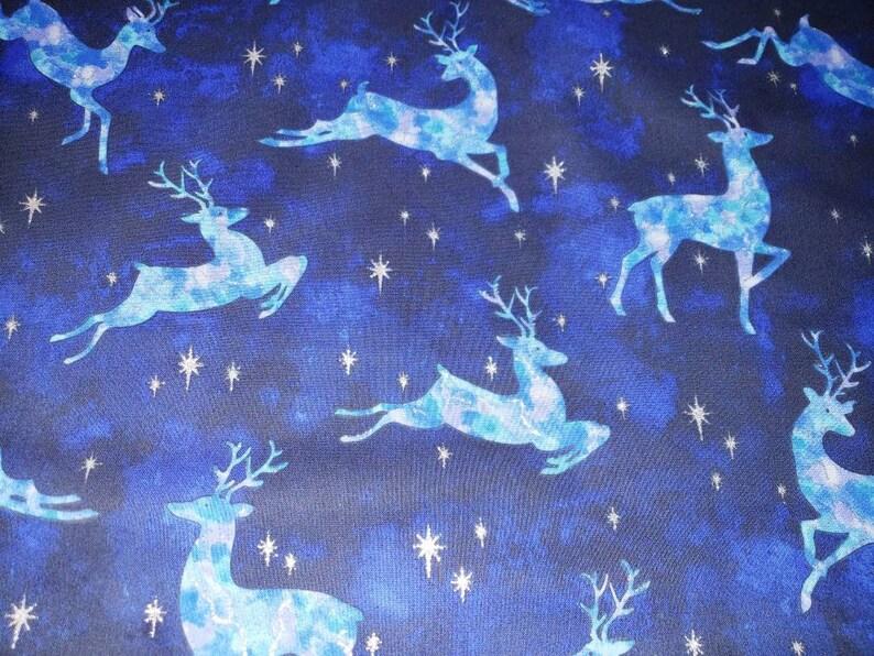 Silver stars Tie dye deer 35 Blue tree skirt