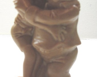 VINTAGE O W & R BERRIES FIGURINE from 1972