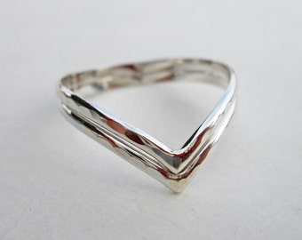 Double Chevron V Ring Hammered 925 Sterling Silver
