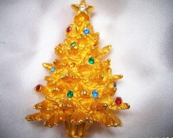 Beautiful 3-D Designer Signed Merksamer Gold and Crystal Christmas Tree Brooch