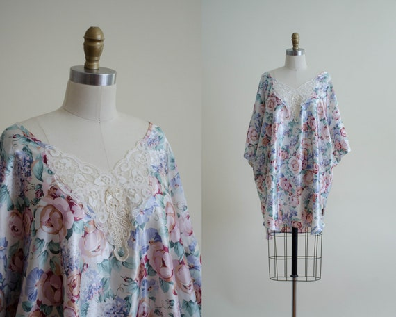 silky nightgown | romantic floral nightgown | vint