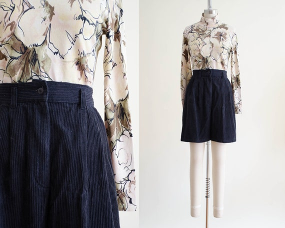 black corduroy shorts | pleated shorts
