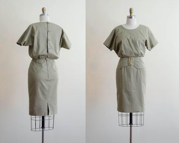 short sleeve dress | khaki belted dress