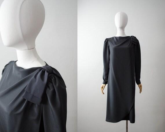 minimal black dress | oversized black dress