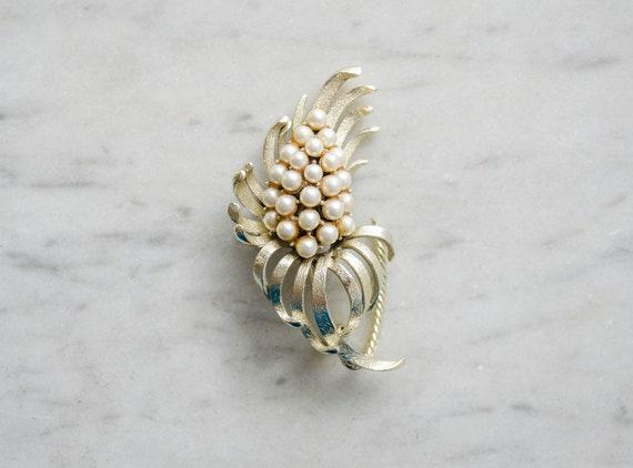 pearl flower brooch | vintage Coro brooch - image 1