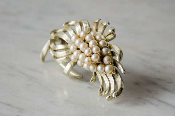 pearl flower brooch | vintage Coro brooch - image 5