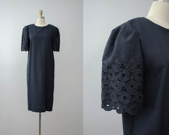 puff sleeve black dress | lace sleeve dress