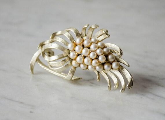 pearl flower brooch | vintage Coro brooch - image 4