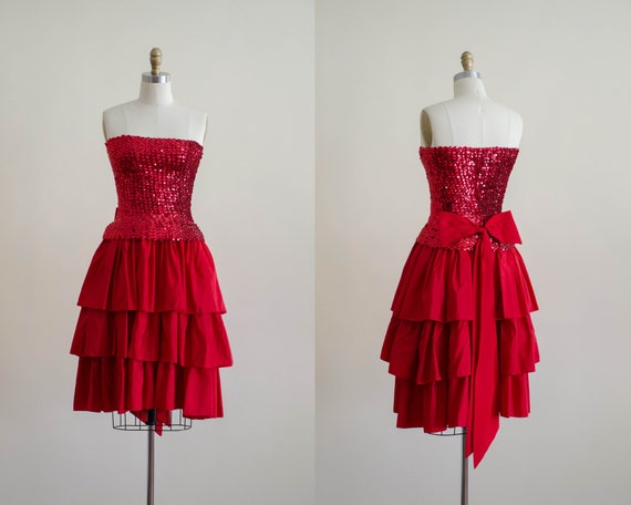 red party dress | red sequin dress | strapless coc