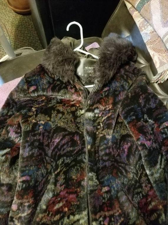 Stylish Multi-color soft hooded winter coat - image 5