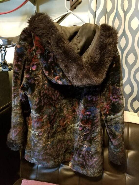Stylish Multi-color soft hooded winter coat - image 2