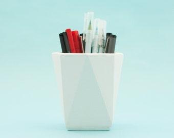 Modern white desk pot - Concrete desk pen holder - Geometric desk pot - white desk accessories - Desk planter and pen holder
