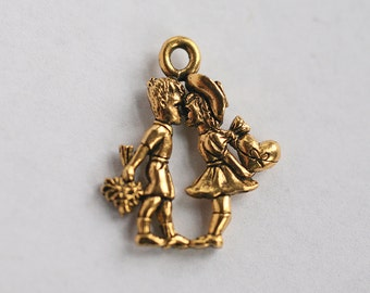 Kissing Couple Charm, Valentine Charm, Love Charm, Charms for Necklaces or Bracelets, Small Pendant