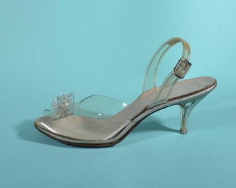 a0a9493d9eb Vintage 1950s Carved Lucite Shoes - Slingback High Heels - Wedding Fashions  - Size 6 7 N