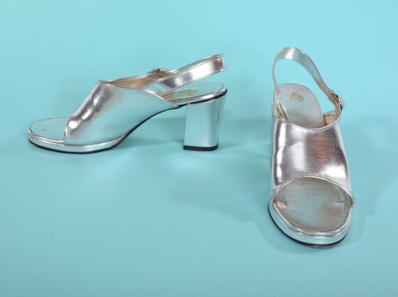 7db3a198d85a4 Vintage 1970s Silver Platform Shoes - Stacked High Heel - Wedding Fashions  Size 6 M