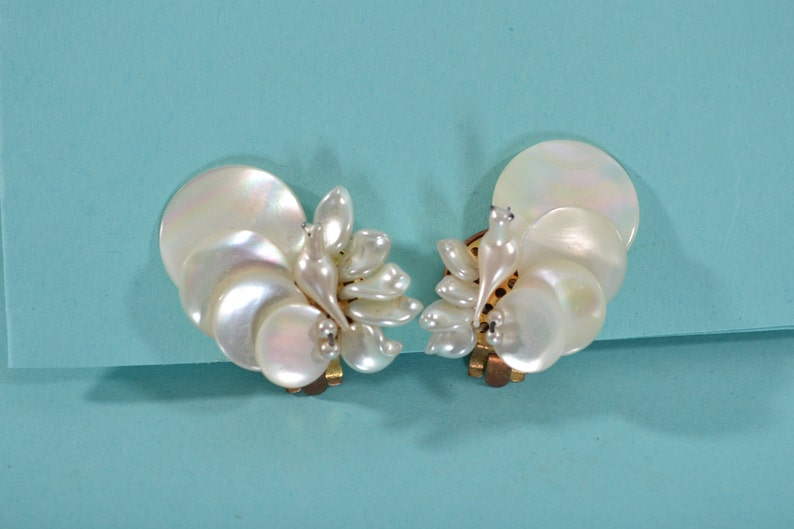 Vintage 1930s Mother of Pearl Earrings Wedding Dove Bridal Fashions French Birds