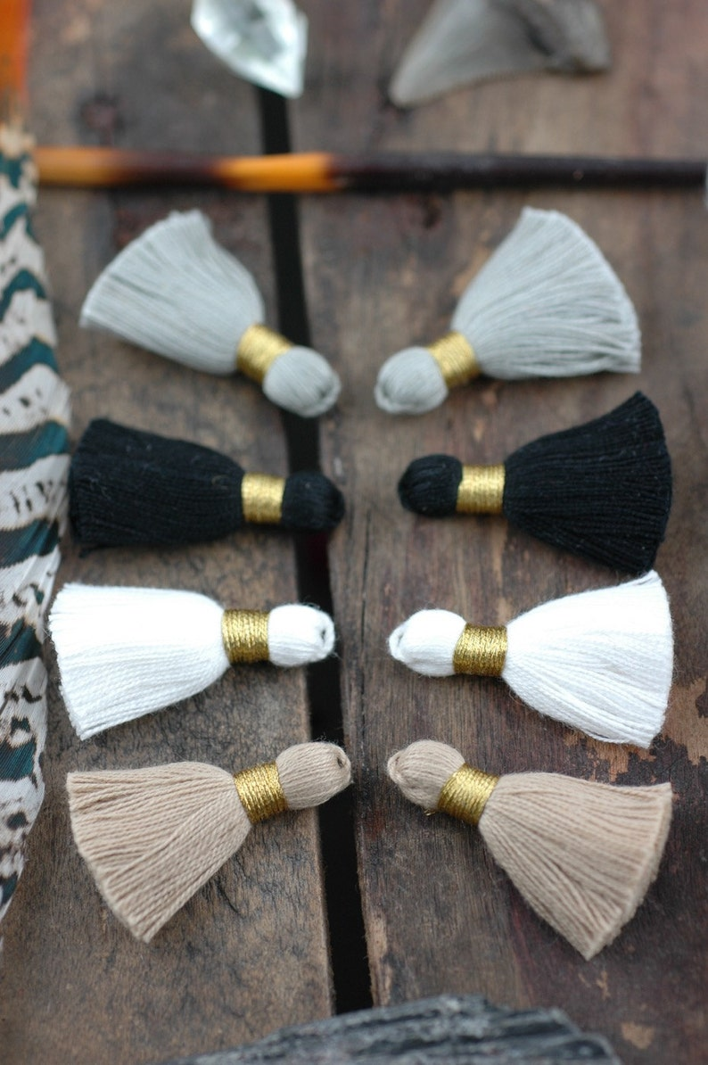 Neutrals Mix Mini Tassels: Short Cotton Tassels White Grey image 0
