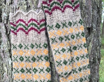 Finely Hand Knitted Seto (Estonian) Mittens on Natural Grey - warm and windproof