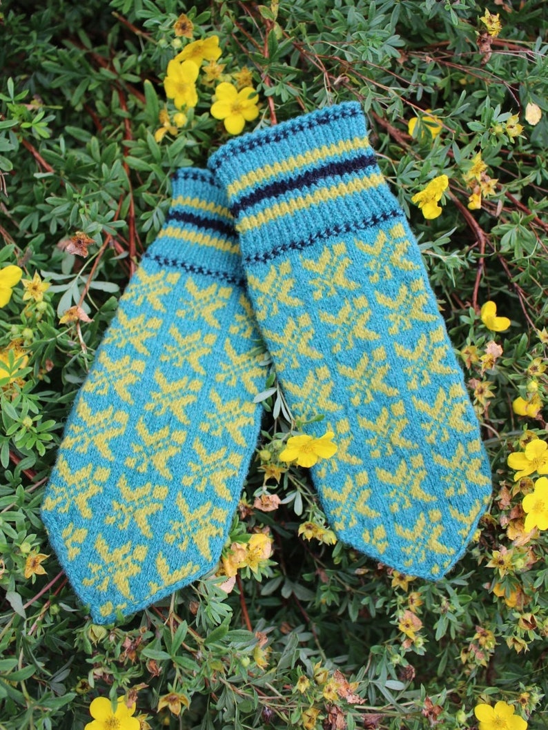 Mittens in Turquoise and Yellow Estonian warm and windproof Finely Hand Knitted Seto