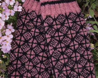 Finely Knitted Estonian Mittens in Pink and Black - warm and windproof