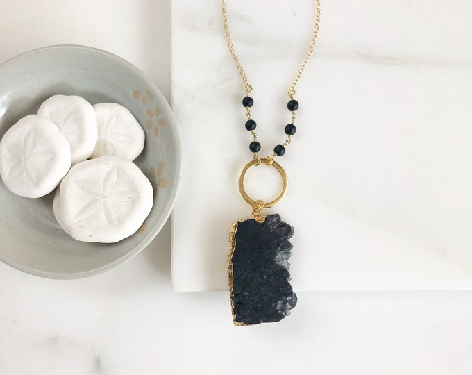 Long Black Boho Style Necklace. Black Geode Stone Necklace. Unique Long Gold Necklace in Gold. Boho Jewelry. Gift.