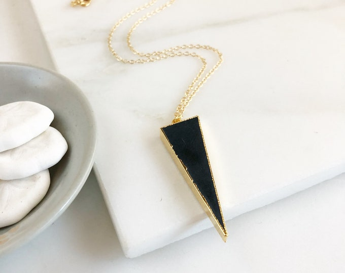 Black Abstract Triangle Pendant Necklace. Geometric Jewelry. Layering Long Arrow and Black Stone Geometric Necklace. Jewerly Gift.