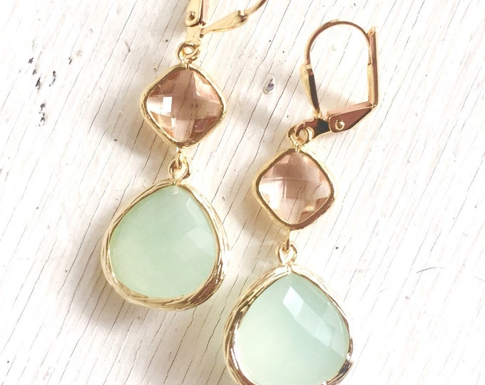 Light Mint Dangle Earrings with Champagne. Bridesmaid Earrings in Mint and Peach. Dangle Earrings. Drop Earrings. Wedding Jewelry. Bridal.