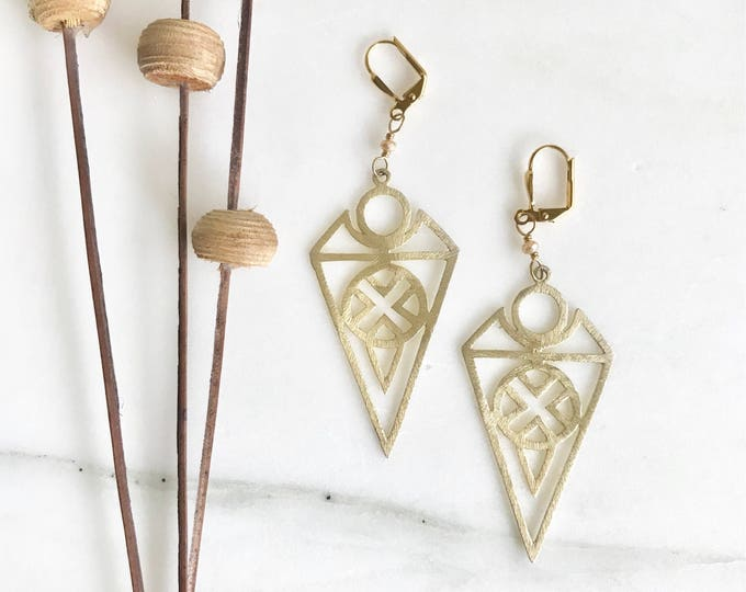 Edgy Gold Chandelier Earrings with Champagne Stones in Gold. Dangle Earrings. Statement Earrings. Jewelry Gift for her. Chandelier Earrings.