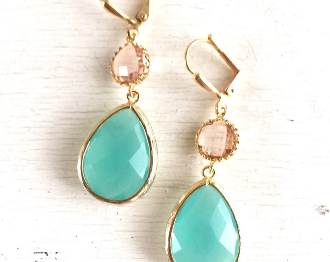 Aqua Mint and Champagne Peach Dangle Earrings in Gold. Bridesmaid Earrings. Dangle Earrings. Drop Earrings. Wedding Jewelry. Bridal. Gift.