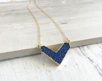 Blue Druzy Chevron Necklace in Gold. Simple Gold Necklace with Blue Crystal Bar