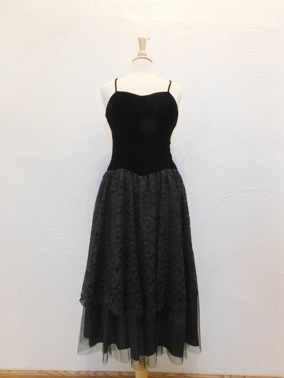 Black Velvet & Lace Dress Vintage 1980's Act I New